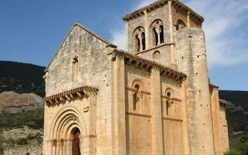 Ermita de San Pedro de Tejada en Puente Arenas